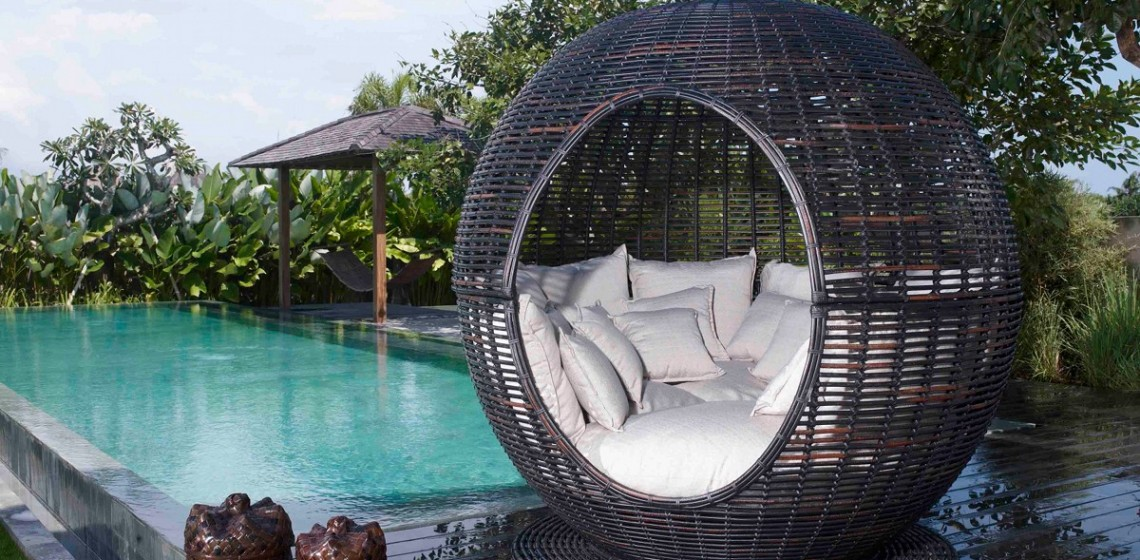 outdoor-wicker-bed